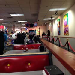 chuck e cheese chicago