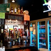 Home Plate Pub - Marysville, WA, États-Unis. Shawn the bartender has 10 Beers on Tap and 1 Cider!