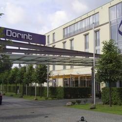 Am Dorint Hotel Sanssouci.