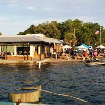 Hudson s seafood house on the docks 327 photos 560 for Fish restaurant hilton head