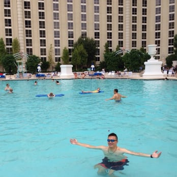 Paris las vegas hotel casino las vegas nv united for Paris hotel pool