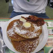 The Dor-Stop Restaurant - Pumpkin pancakes. TO-DIE-FOR - Pittsburgh, PA, Vereinigte Staaten