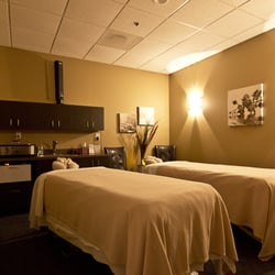 Hand And Stone Raleigh >> Hand And Stone Couples Massage Coupon Cudo Daily Deals Melbourne