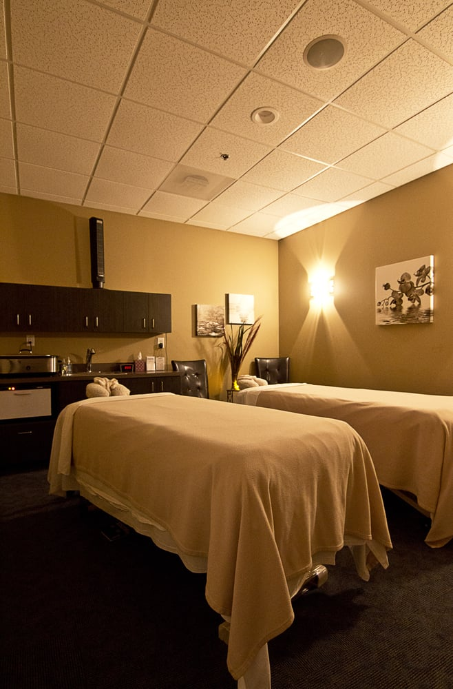 Hand stone massage and facial spa day spas raleigh for Couple spa near me