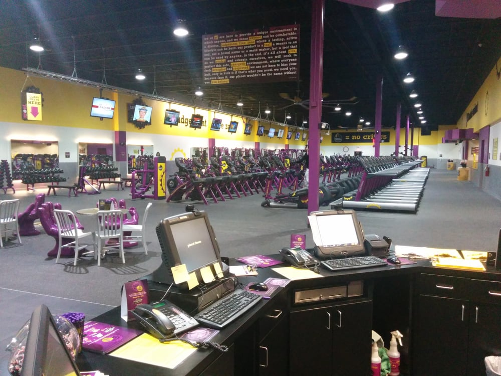 Planet Fitness  Joliet  10 Photos  Gyms  2852 Plainfield Rd