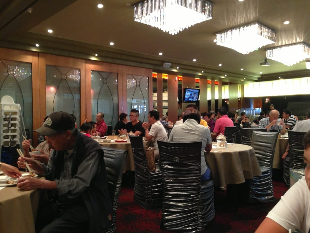 Forbidden City Dim Sum & Seafood Restaurant - Dining lunch crowd ...