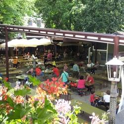 Braugarten giardino forst biergarten lagundo bolzano for Giardino forst