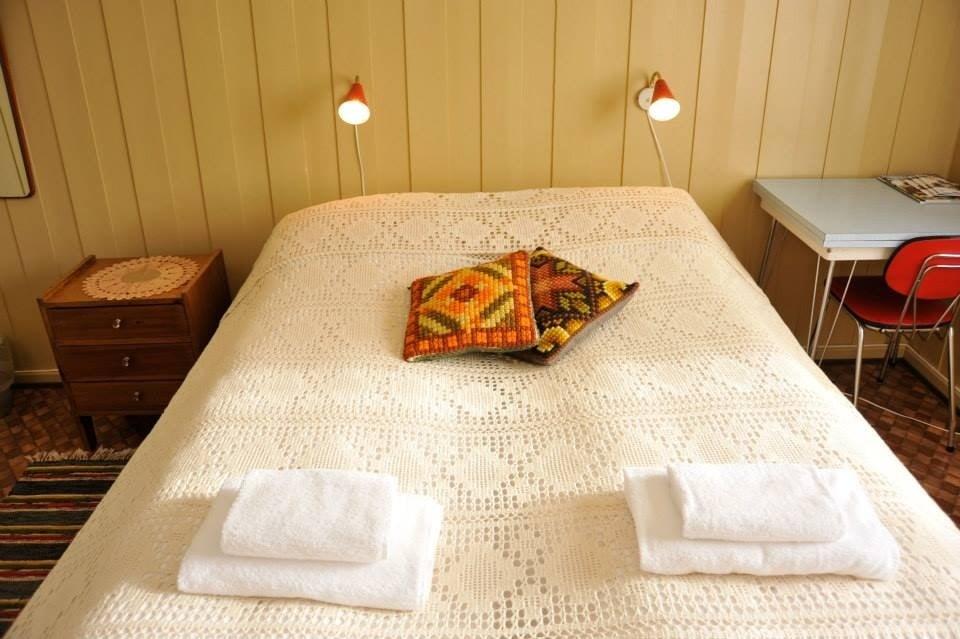 Koselig nostalgisk pensjonat med 6 rom som deler to bad og en ...
