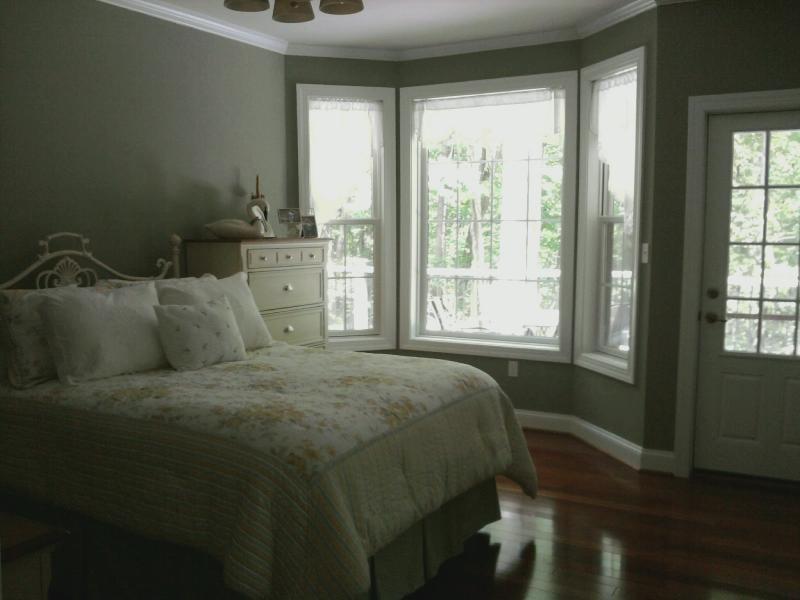 va united states behr textured seafoam green paint in guest bedroom