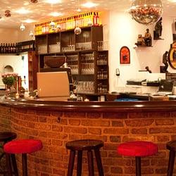 Unsere gemütliche Bar um in den…