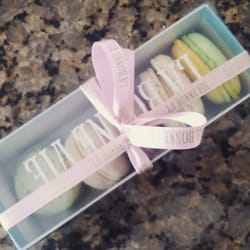 La Bonne Vie - Salt Lake City, UT, United States. Pretty box. It supposed to be 6 macaroons fit perfectly in a box but their macaroons were too big so they can only fit 5 of them