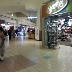 Downey Mall Shoe Stores