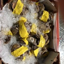 Rainbow seafood market march s aux fruits de mer 1107 for Long beach fish market