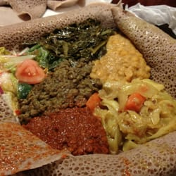 Chercher Ethiopian Restaurant & Mart - To-go: Regular Veggie Combo (DELICIOUS!) - Washington, DC, Vereinigte Staaten