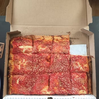 L B Spumoni Gardens 946 Photos Pizza Gravesend Brooklyn Ny United States Reviews