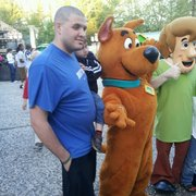 Six Flags St Louis - Alex & Evan with Scooby & Shaggy - Eureka, MO, Vereinigte Staaten