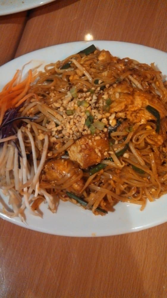 Thai Table Pad Thai Chicken Pad Thai