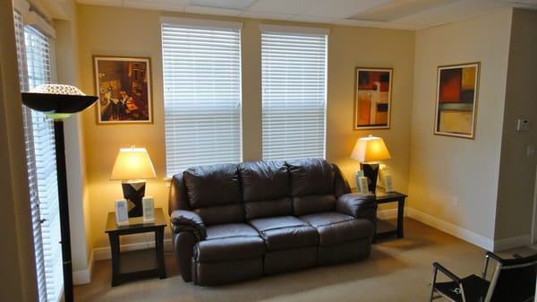 Orlando Hypnosis Center - Orlando, FL, United States. Orlando Hypnosis Center waiting area.