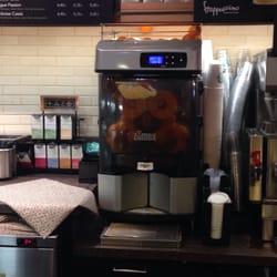 Starbucks - Paris, France. Fresh orange juice