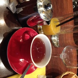 Café Jade - Paris, France. The vanille, jus d'orange délicieux pressé contenus dans la formule Brunch