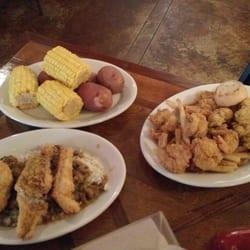 Boiled potatoes and corn, shrimp and… di Crystal J.