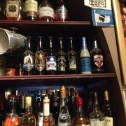 Ty Anna Tavern - Rennes, France. Les bières en bouteille