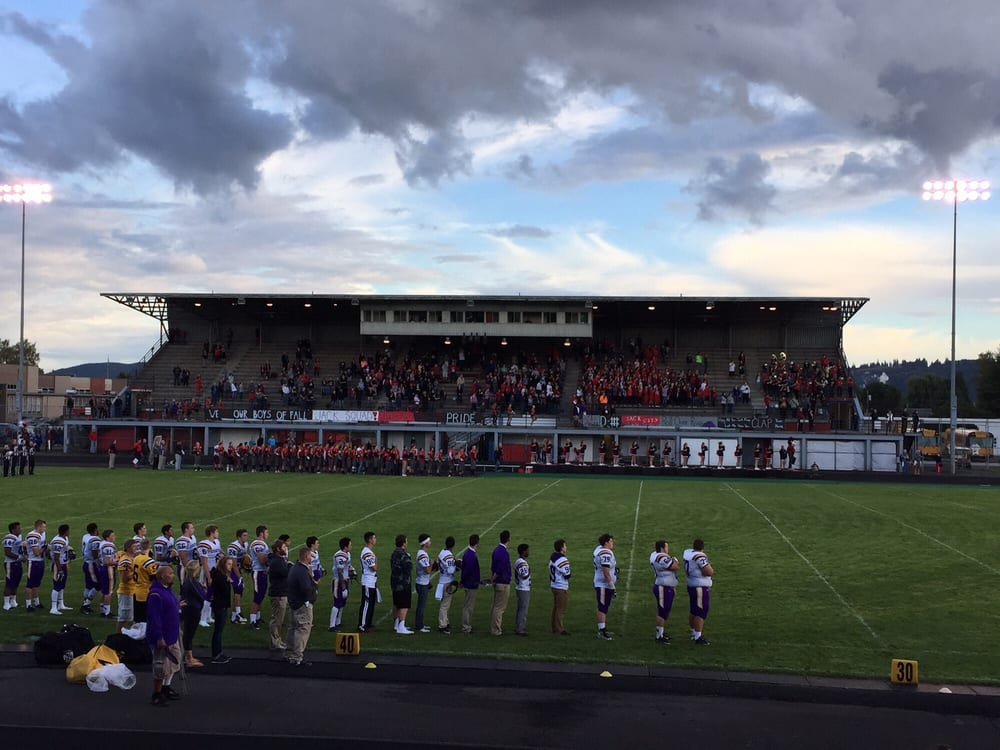 Longview (WA) United States  city photos gallery : Longview Memorial Stadium Stadiums & Arenas Longview, WA Reviews ...