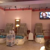 Vip Nails - Grand Rapids, MI, United States. Pedicure spa stations.
