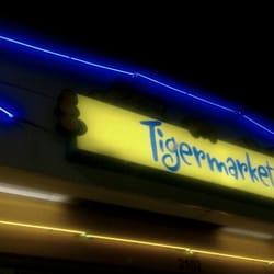 Exxon Tiger Marts logo