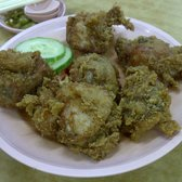 Bee Kia Seafood Restaurant - Fried chicken, perfectly cooked. Crispy skin, juicy chicken. Drool. - Singapore, Singapur