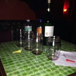 Hookahloopa Lounge - Took my own bottle of wine there. - Forest Hills, NY, Vereinigte Staaten