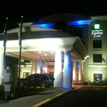 Holiday Inn Express Suites Tampa Usf Busch Gardens 29 Photos Hotels Tampa Fl United