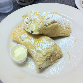 Cannoli pancakes: fluffy pancake rolled with sweet ricotta, chocolate ...