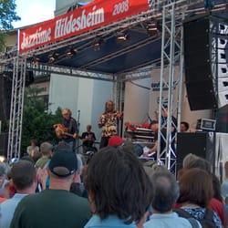 Karl Frierson und Band