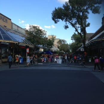 Plaza St Hubert Shoe Stores