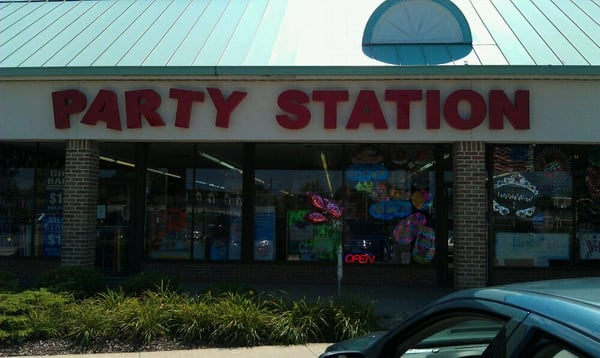 Party Place is the premier discount Party Superstore in Avon, Ohio with a 12, square foot party store. We serve the communities of Avon, Avon Lake, Bay Village, Westlake, Lakewood, North Ridgeville and Rocky River.