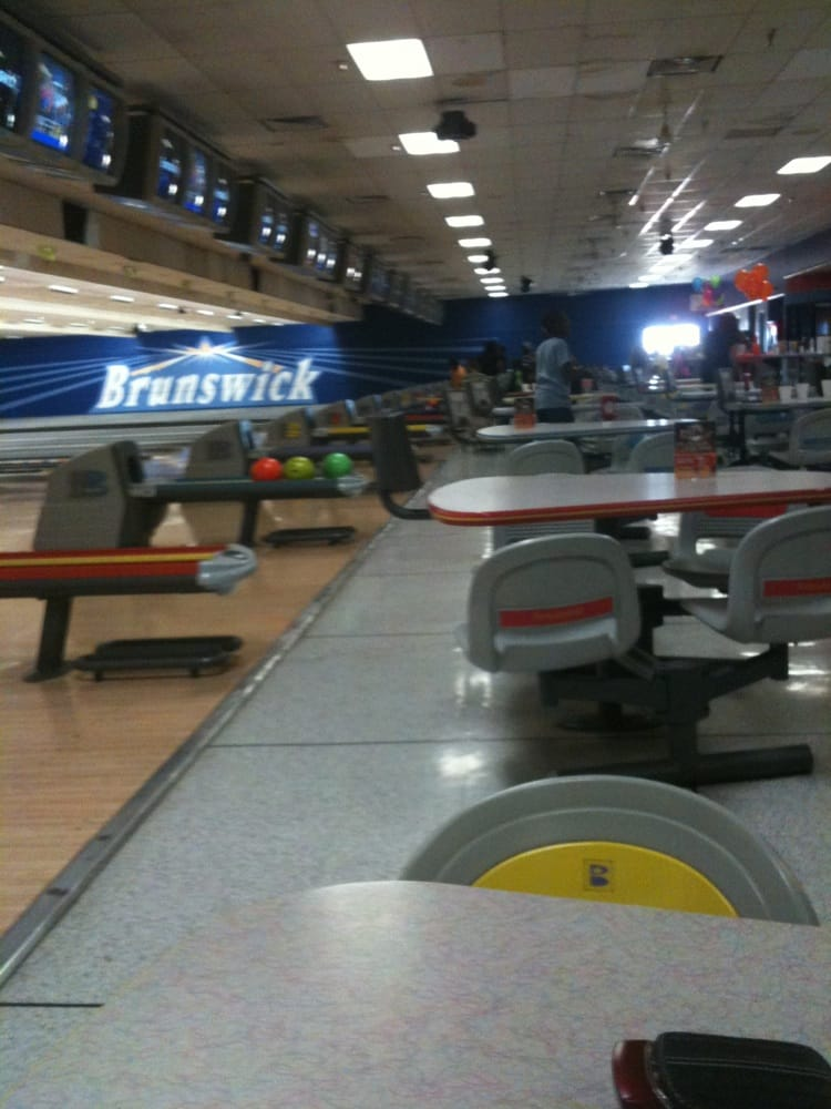 Palmdale (CA) United States  City new picture : ... 19 Photos Bowling Palmdale, CA, United States Reviews Yelp
