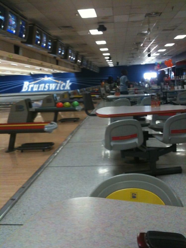 Palmdale (CA) United States  city photo : ... 19 Photos Bowling Palmdale, CA, United States Reviews Yelp