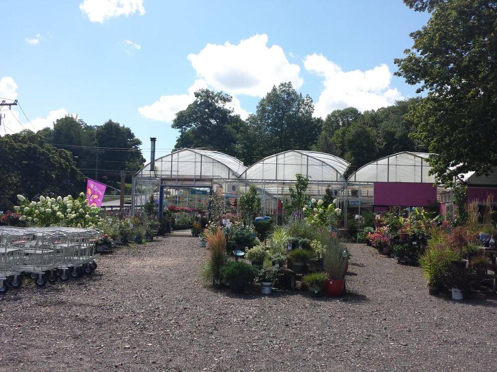 Larson s garden center nurseries gardening for Gardeners supply burlington