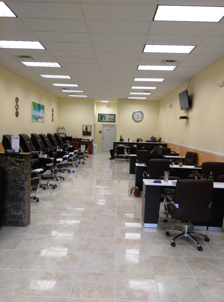 Tip top nail spa medical spas clifton park ny united for Best health spas in the us