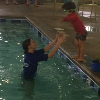 Little fishes swim school 11 reviews swimming lessons for Little fish swim school