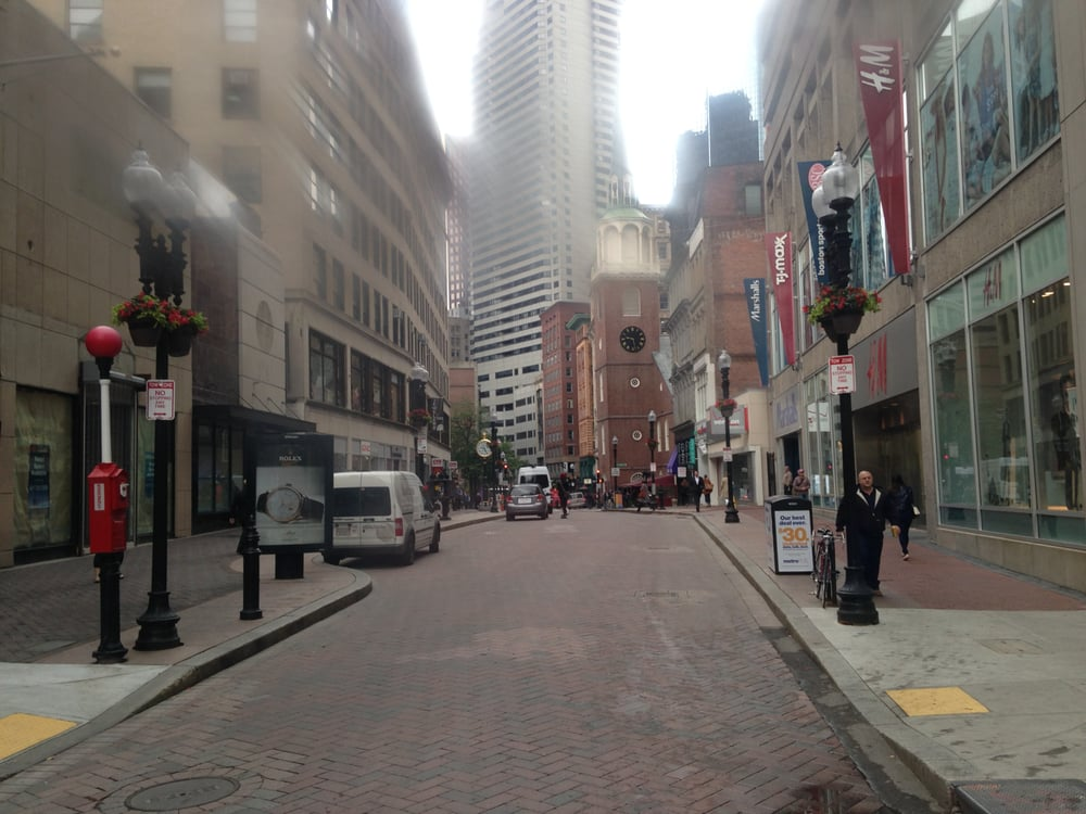 Feb 15, · Empty store fronts remain though, and the Downtown Crossing nonprofit improvement association continues to have pushcarts, special events, volunteers on hand to help tourists and even now a Little Free Library outside Walgreen's former Borders Books.3/5(69).