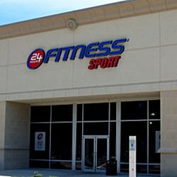 24 Hour Fitness Super-Sport Club Opens in Woodland Hills, CA New Club Anchors The Village Westfield Topanga WOODLAND HILLS, CA - September 14, The Village Westfield Topanga expansive outdoor shopping mall becomes home to the new Woodland Hills 24 Hour Fitness.