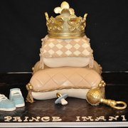 ... - Crown & Pillow baby Shower Cake - Kissimmee, FL, United States