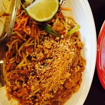 Ayothaya thai restaurant 162 photos thai restaurants for Ayothaya thai cuisine puyallup wa