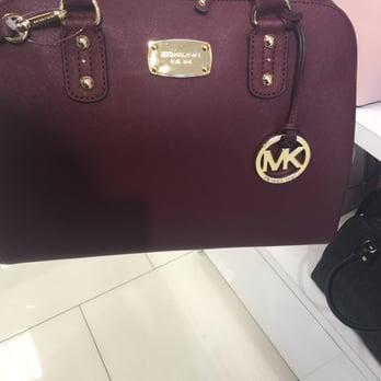 Michael Kors Outlet Bags