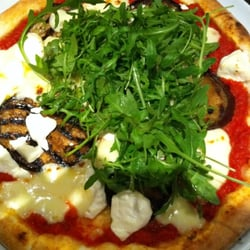"Pizza ""Donna Carolina"" mit Auberginen,…"