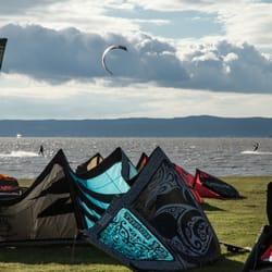 Kiteschirme von Kitesurfing Schule…