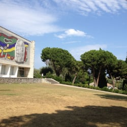 Musee National Fernand Leger, Biot, Alpes-Maritimes, France