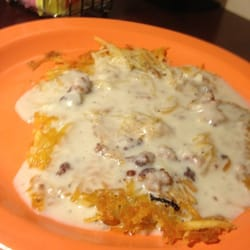 Village Inn - Hash browns with country gravy - Colorado Springs, CO, Vereinigte Staaten